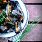 Sinimerekarbid tšillise ürdivõiga (ja FAO27 kalakohvik)