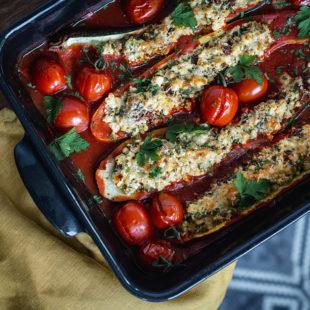 Ricottaga täidetud suvikõrvitsad tomatikastmes