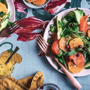 Salat külmsuitsuforelli ja mandariinidega